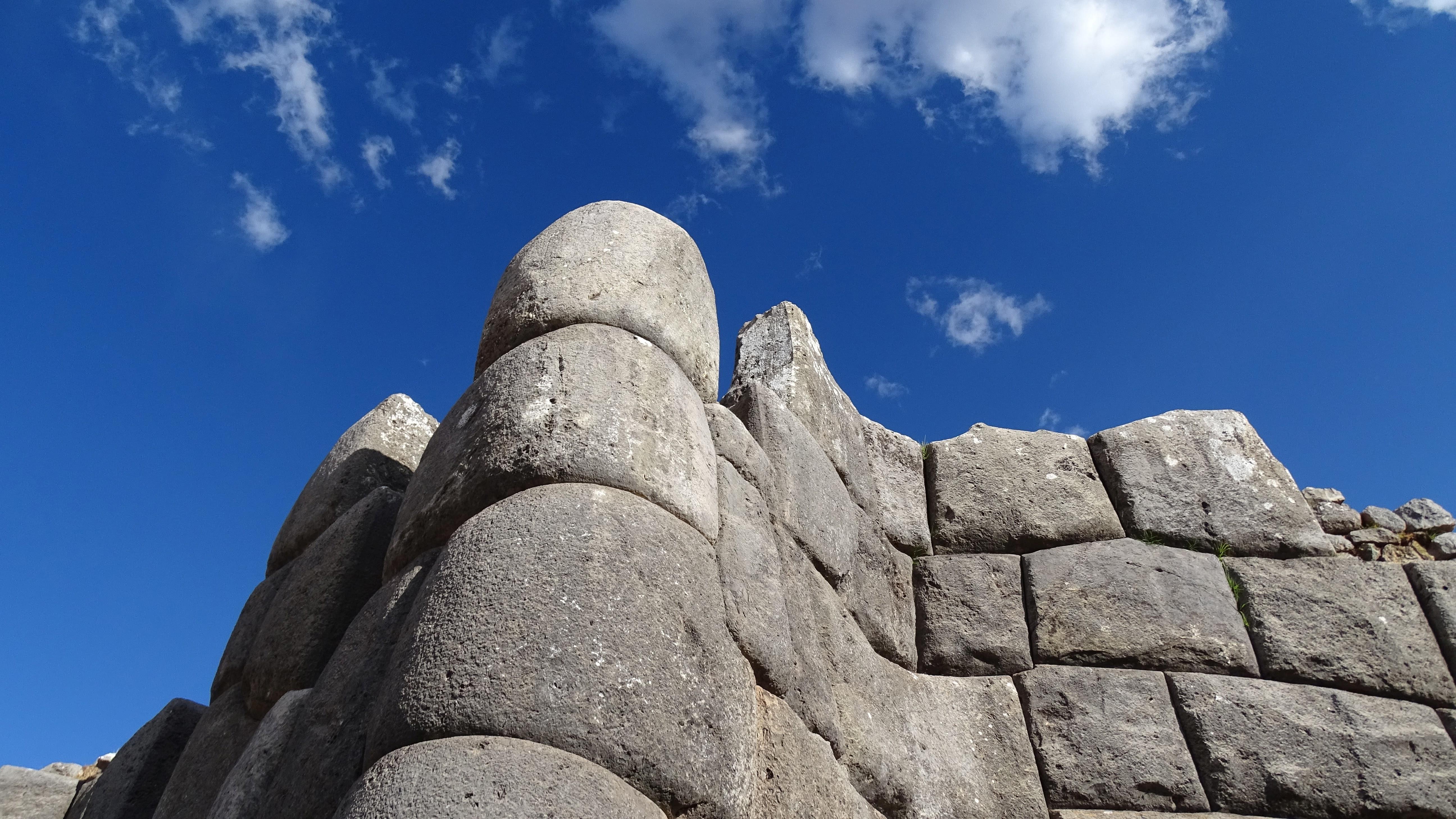 Steinbaukunst der Inkas in Saqsayhuaman während unserer Peru-Rundreise