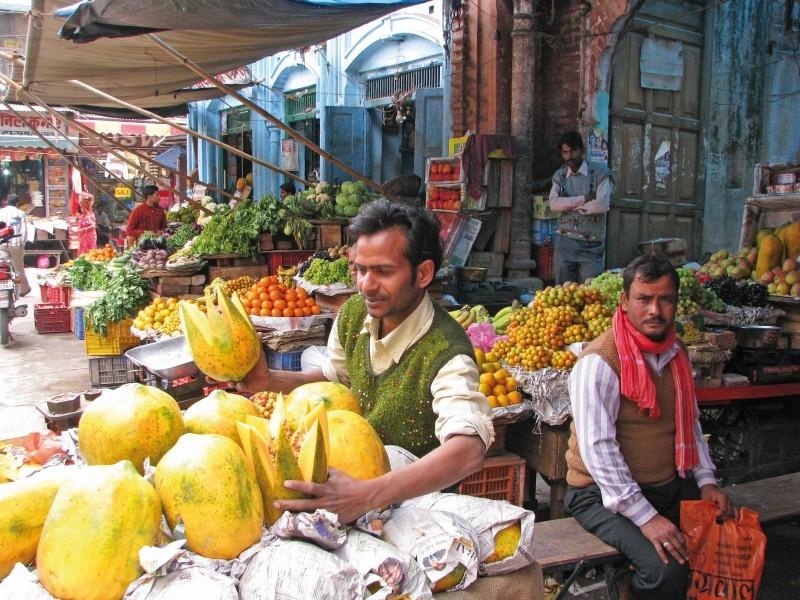 Obst- und Gemüsemarkt auf Indien-Rundreise