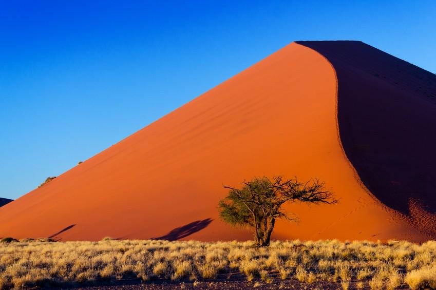 Die Dünen von Sossusvlei bei Sonnenaufgang