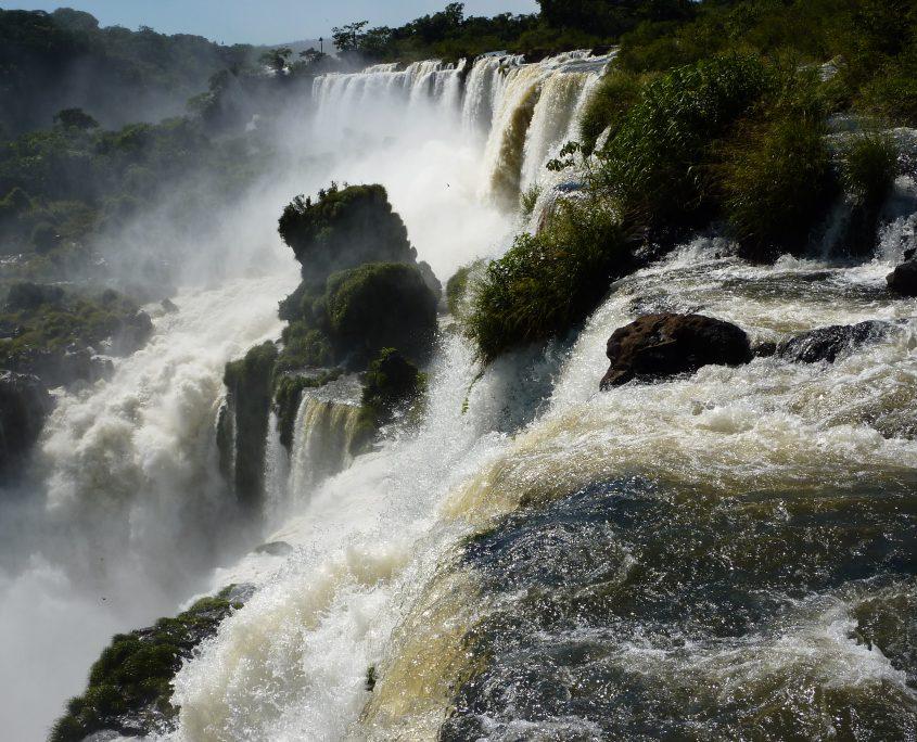 Zu Besuch an den sagenhaften Iguazú-Wasserfällen