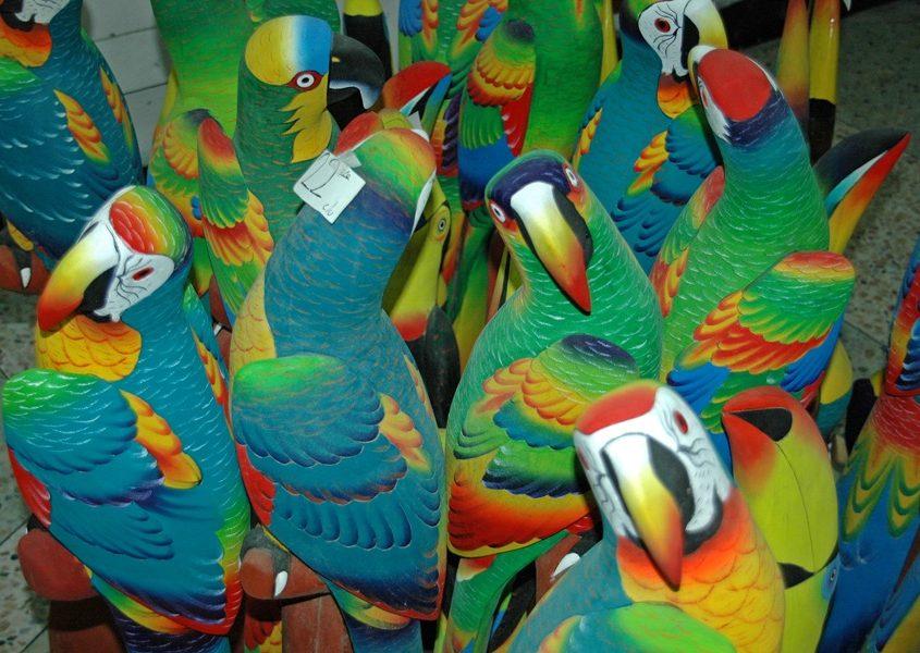 Besuch bei einem Balsaholz-Künstler im Tiefland auf unserer Ecuador Reise