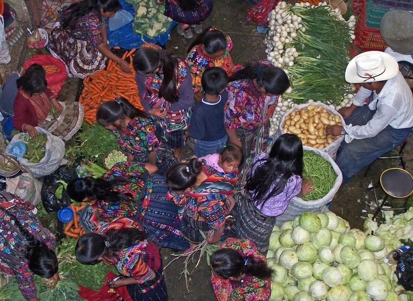 Eindrucksvoll bunter Markt in Chichencastenango