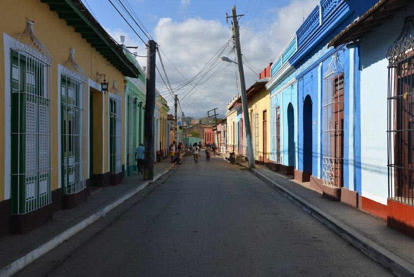 Farbenprächtige Straße in Trinidad