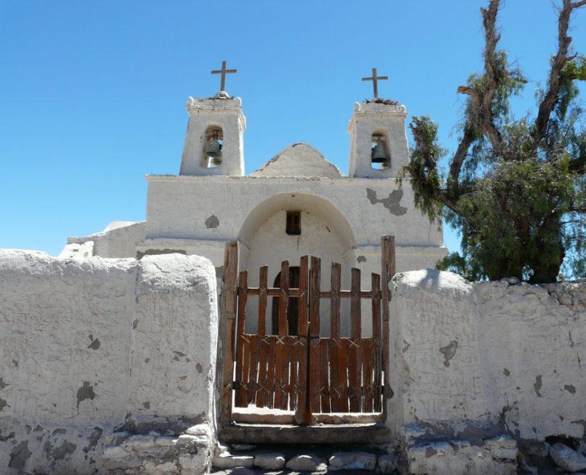 Uralte Adobekirche in der Atacamawüste auf unserer Chile Reise