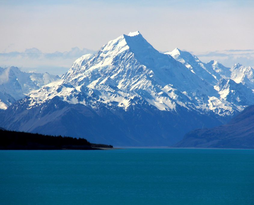 Fantastische Szenerie am Lake Pukapi mit Mount Cook